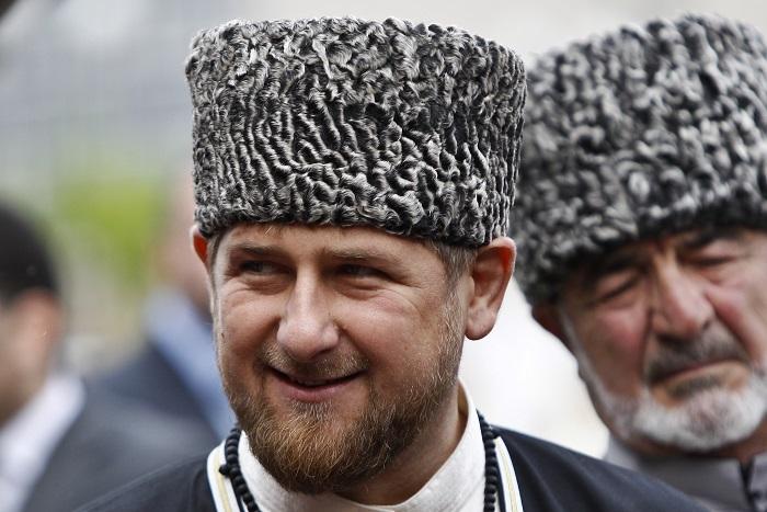 """Кадыров сообщил о подготовке исков """"за вмешательство в личную жизнь"""" 17-летней невесты"""