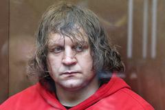 Александр Емельяненко приговорен к 4,5 годам за изнасилование