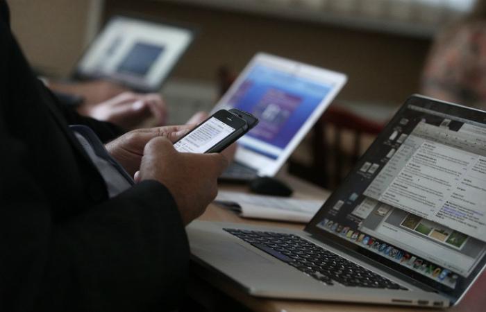 Глава Роскомнадзора предупредил Facebook, Twitter и Google о возможных санкциях