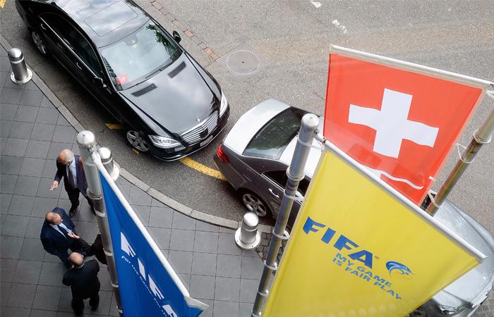 Прокуроры заявили о причастности крупных международных банков к скандалу в ФИФА