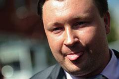 Гей-активиста обвинили в оскорблении депутатов Мизулиной и Баталиной