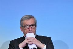 Глава Еврокомиссии обвинил Афины в затягивании переговоров по госдолгу