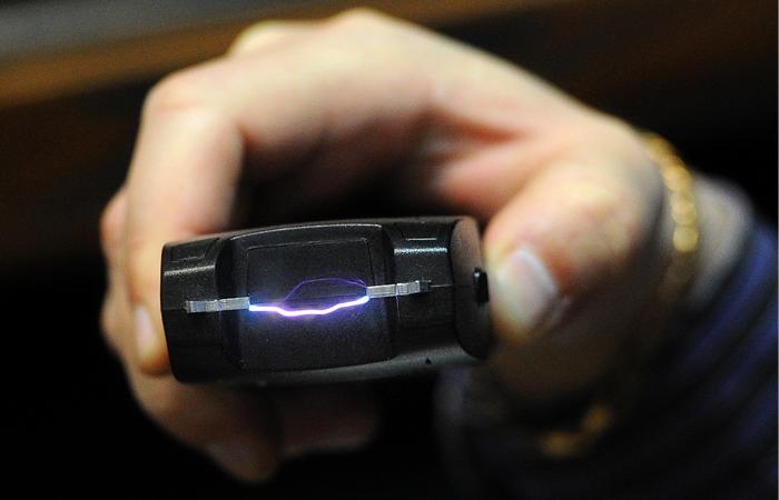 В Башкирии доследуют дело полицейского с электрошокером
