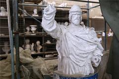 Инициаторы установки памятника князю Владимиру попросили перенести монумент