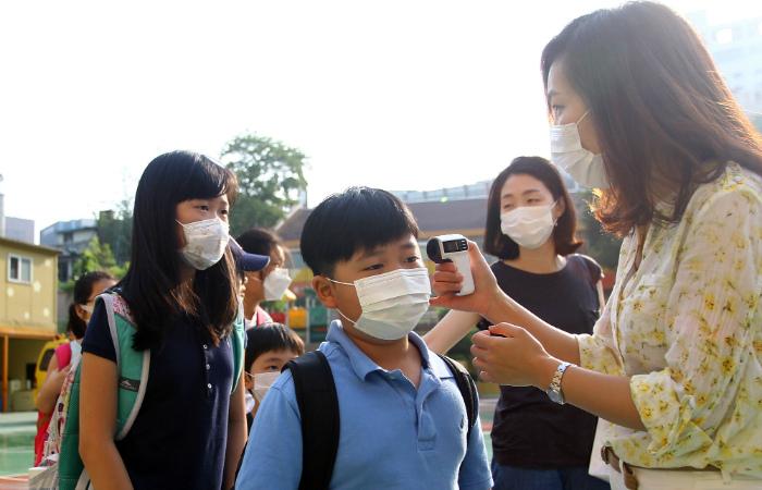 Число заразившихся коронавирусом в Южной Кореи выросло до 138 человек
