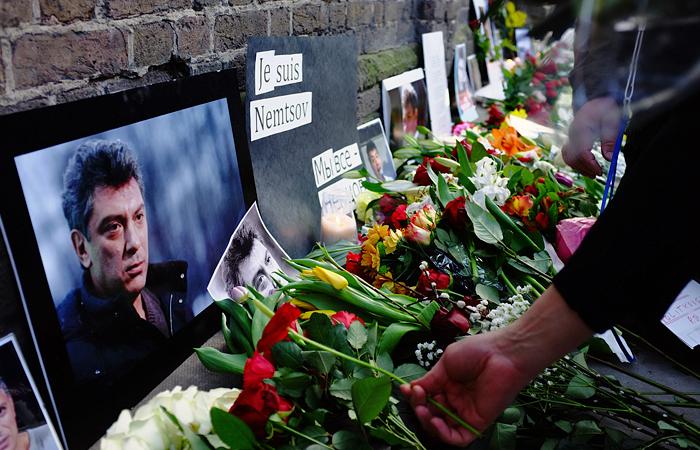 Адвокат допустил возможность передачи дела об убийстве Немцова в военный суд