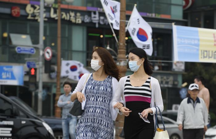 Число жертв коронавируса в Южной Корее увеличилось до 19 человек
