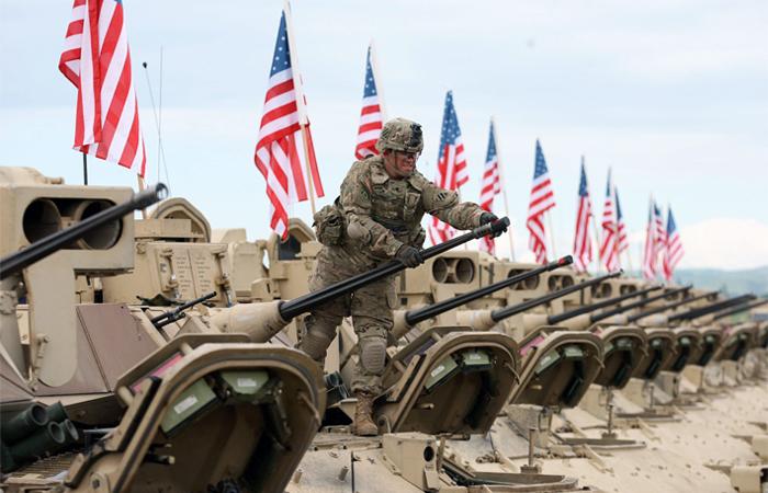 Пентагон озвучил планы по переброске 250 единиц тяжелой техники ближе к границам России