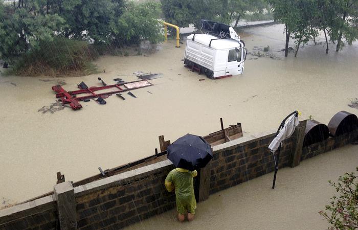 Власти Сочи начали эвакуировать жителей из-за угрозы затопления