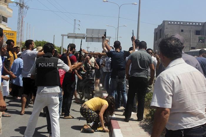 """""""Исламское государство"""" взяло на себя ответственность за теракт в Тунисе"""