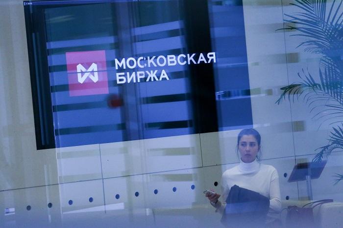 Курс рубля начнет колебаться из-за событий вГреции— ЦБРФ