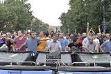 Армянская полиция очистила проспект в центре Еревана от протестующих