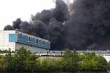 Площадь пожара на территории ЗИЛа в Москве выросла до 2 тысяч кв. м