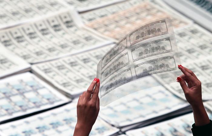 Количество фальшивых долларов в России выросло на 41%