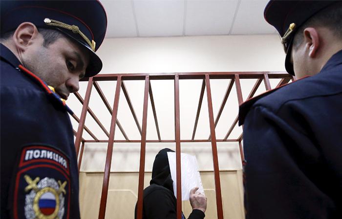Защита фигуранта дела об убийстве Немцова попросила обследовать его на онкологию