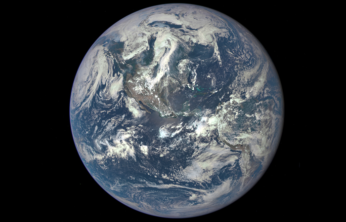 Космический аппарат НАСА сфотографировал Землю с расстояния в 1 млн миль