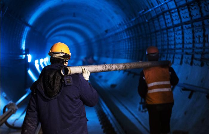 Мэрия Москвы объяснила задержки зарплаты метростроевцам проблемами подрядчика