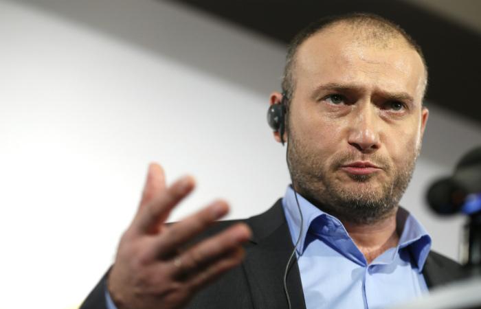 """""""Правый сектор"""" заявил о намерении провести всеукраинский референдум о недоверии власти"""