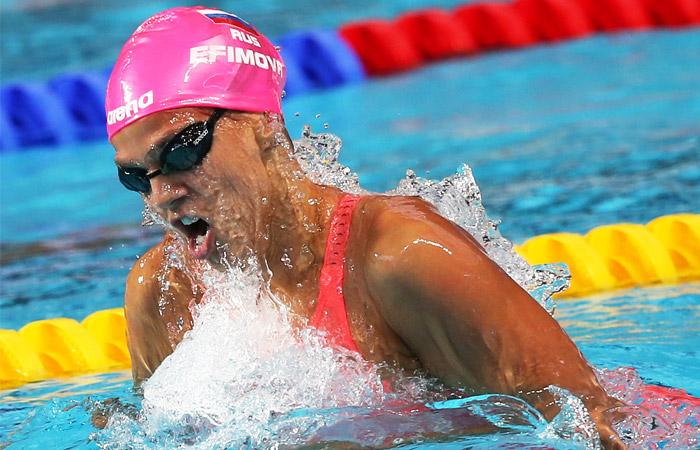 Русская пловчиха выиграла золото наЧМ после 16 месяцев дисквалификации