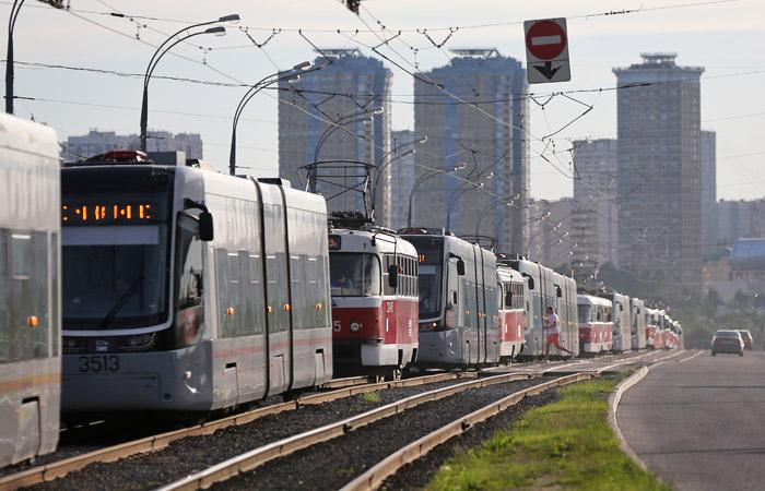 В Москве встали троллейбусы и трамваи на десятках маршрутов