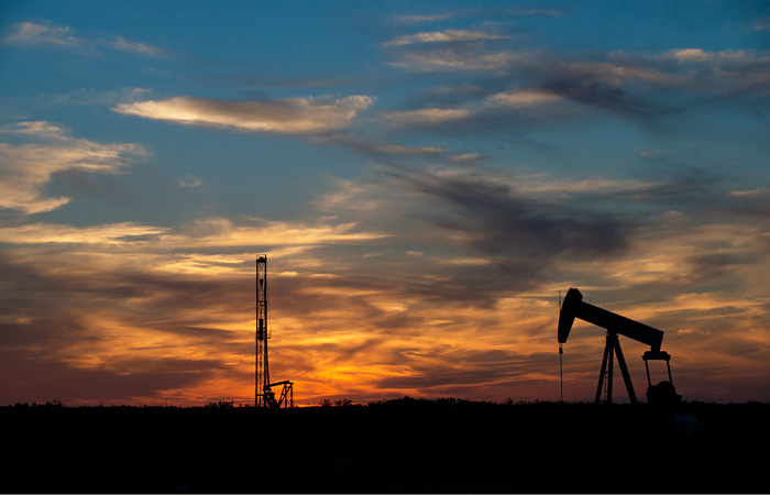 Нефть WTI подешевела до минимума с марта