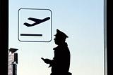 Задержанные нетрезвыми летчики и стюардессы airBaltic признали свою вину