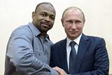 Путин пообщался с американским боксером Роем Джонсом