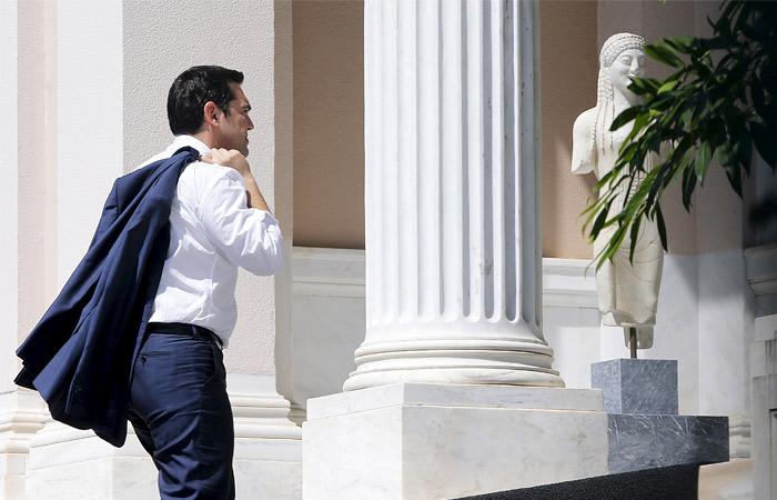 Ципрас подал в отставку