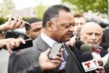 Правозащитник Джесси Джексон навестил Ассанжа в посольстве Эквадора