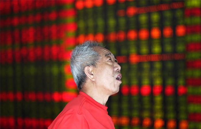 Китайский рынок рухнул на 8,9%