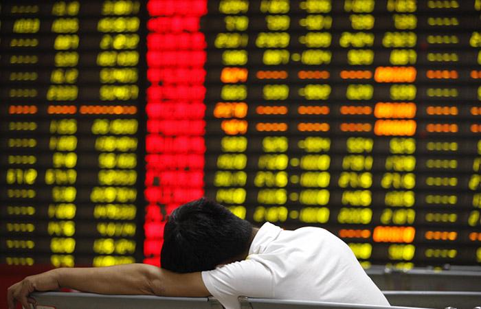 Китай вводит ограничения на покупку валюты