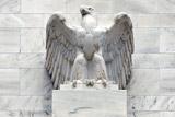 Эксперты призвали ФРС США решиться на подъем ставки