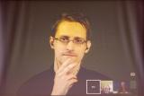Сноуден высказался о деловой переписке Клинтон с личного сервера