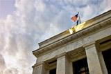 Эксперты рассказали о последствиях повышения ставки ФРС