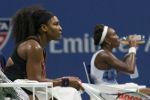 Серена Уильямс обыграла сестру в четвертьфинале US Open