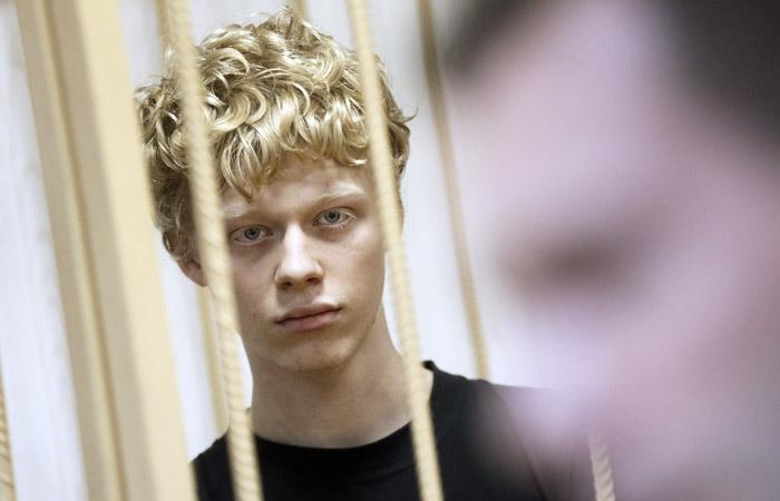 Руфера признали виновным по делу о покраске звезды на высотке в Москве