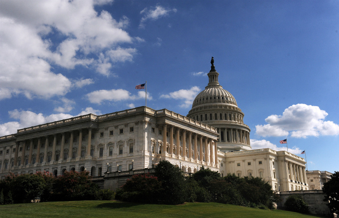 Демократы заблокировали в сенате США резолюцию против сделки с Ираном
