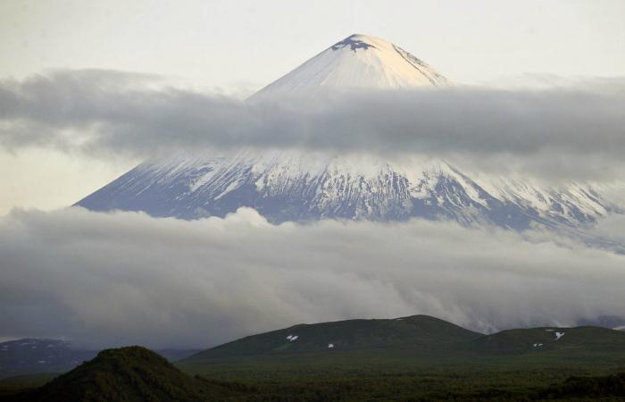 На Камчатке началось извержение Ключевского вулкана
