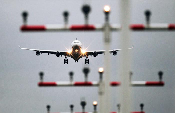 Украинские санкции поставили под угрозу транзит авиакомпаний РФ