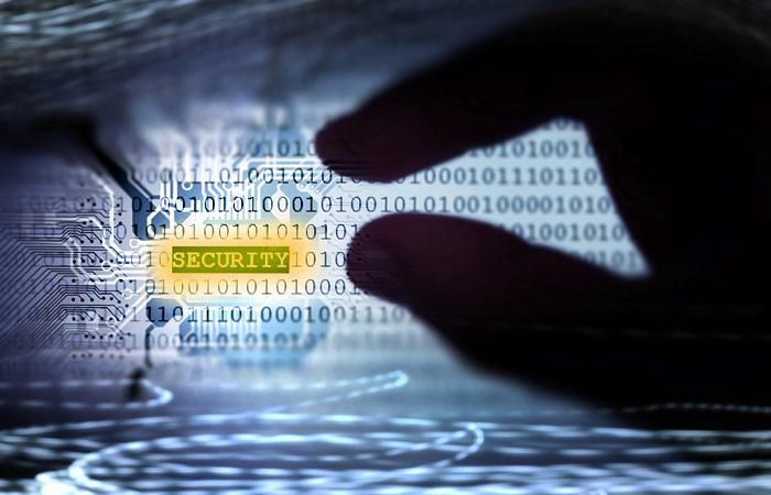Россиянин Дмитрий Смильянец признался в США в краже данных у компаний