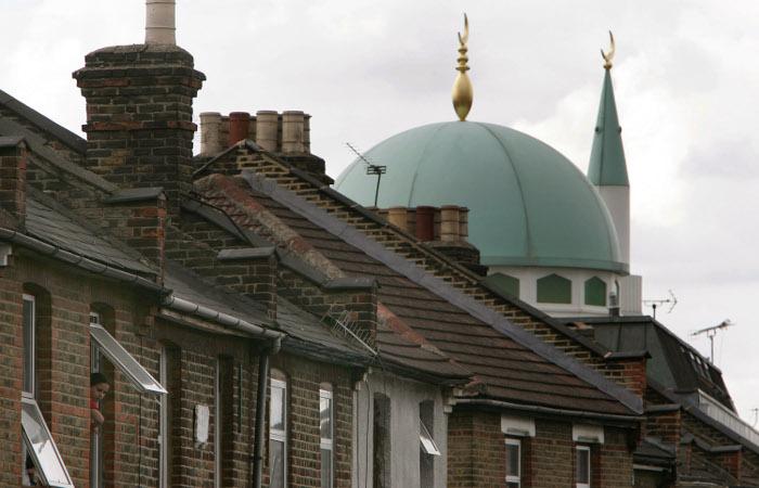 МИ-5 платило британским мусульманам за шпионаж в мечетях