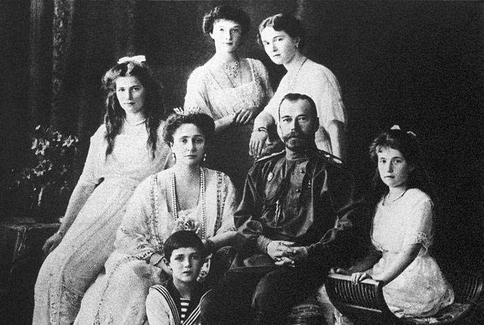 СКР возобновил расследование гибели семьи Романовых