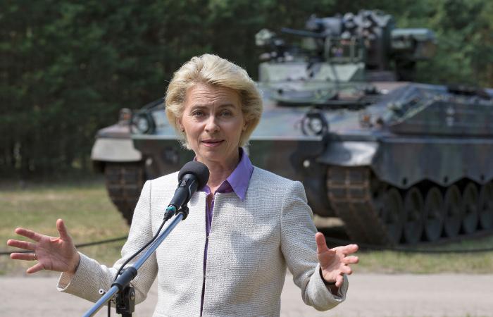 Глава Минобороны Германии отвергла обвинения в плагиате