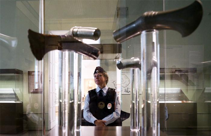 Посты полиции останутся во всех охраняемых федеральных музеях