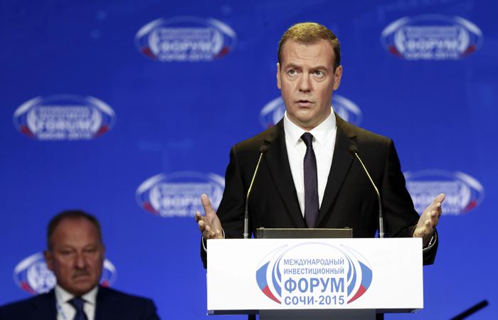 Медведев пообещал сверстать бюджет через неделю