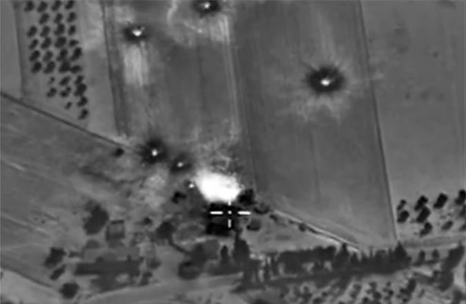 Самолеты авиагруппы РФ в Сирии за ночь нанесли удары по семи объектам ИГ