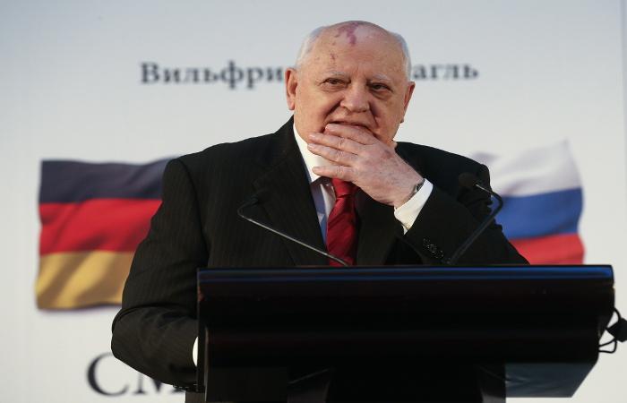 Горбачев заявил о правильной политике СССР в отношении Германии