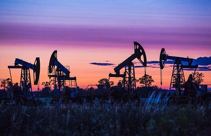 Чиновники оказались пессимистичнее нефтяников в прогнозах цен на нефть