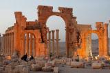 ИГ уничтожила триумфальную арку в Пальмире