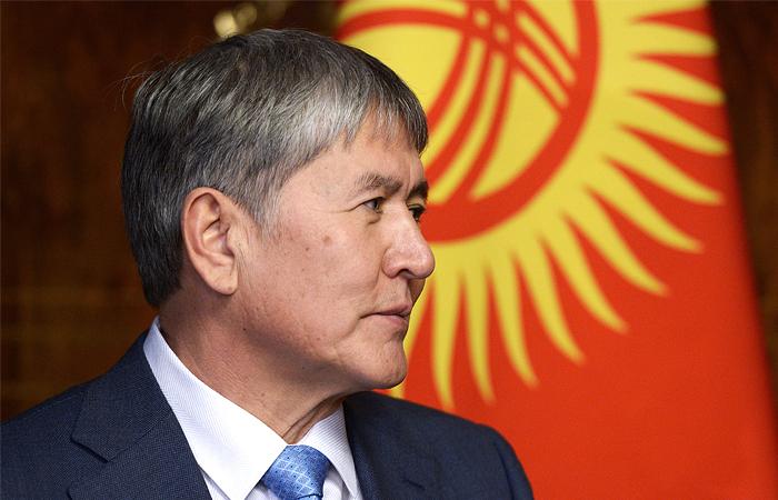 В Киргизии оппозиционеры предложили Атамбаеву создать правящую коалицию